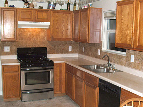 Backsplashes Kitchen Counters Attractive Backsplash Tile Floor Combo