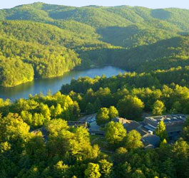 Unicoi State Park mountains and lake
